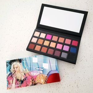 NIB Kylie Sipping Pretty Pressed Pigments Palette